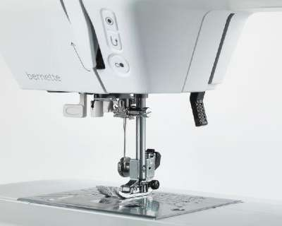 Bernette Sew & Go Automatic Sewing Machine Threader